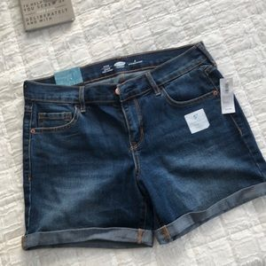 New jean shorts with tags